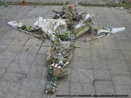 polski rządowy tupolew 154M, z numerem bocznym 101, po katastrofie - prezentacja MAK